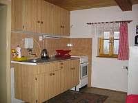 Plně vybavená kuchyně - chalupa k pronájmu Český Šumburk