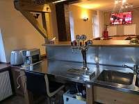 Bar s výčepním zařízením - pronájem chaty Smržovka
