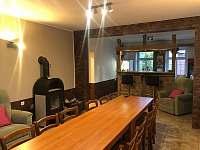 Společenská místnost - pronájem chaty Smržovka