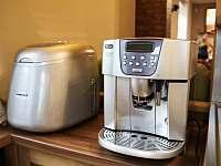 Výrobník ledu, kávovar - chata k pronajmutí Smržovka