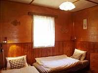 Malá ložnice v přízemí - chata ubytování Bedřichov