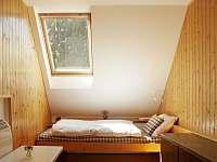 Malá ložnice v prvním patře - chata k pronajmutí Bedřichov