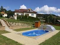 Venkovní bazén - chalupa k pronajmutí Velké Hamry