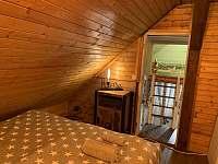 Pohled z velké ložnice na dětskou ložnici (bunkr) - Jiřetín pod Bukovou