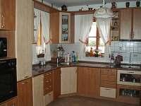 Kuchyň - pronájem chalupy Desná