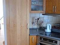 Vestavěná lednice a sporák - chalupa ubytování Tanvald