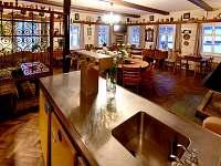 společenská místnost - chalupa ubytování Černá Říčka