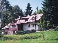 Apartmány Bedřichov - letní pohled se zahradou