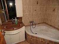 Koupelna s rohovou vanou - Bedřichov