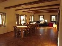 Společenská místnost - chalupa ubytování Lázně Libverda