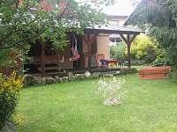 dětský koutek na terase - chalupa k pronajmutí Jablonec nad Nisou - Krásná
