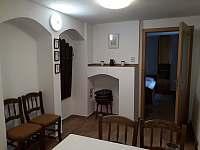 Kuchyně+předsíň - chalupa k pronájmu Deštná u Jindřichova Hradce - Lipovka