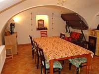 Společenská místnost - pronájem chalupy Koloděje nad Lužnicí