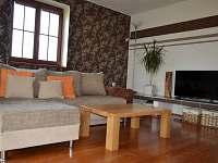 Společenská místnost - chalupa ubytování Zlukov 124