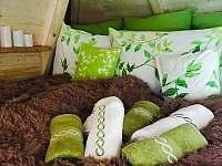 Útulná ložnice v patře
