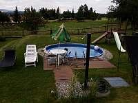 Vyhřívaný bazén se solární sprchou - Olšany u Studené