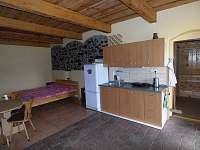 Malý apartmán - pronájem chalupy Holičky