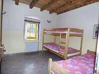 Velký apartmán malá ložnice - chalupa k pronajmutí Holičky