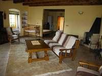 Velký apartmán obývací pokoj - chalupa ubytování Holičky