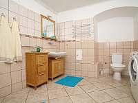 Koupelna - chalupa k pronájmu Borotín