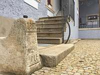 Ubytování pro náročné v historickém domě - apartmán k pronajmutí Nová Bystřice