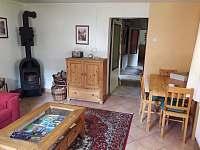 Obývací pokoj - chalupa k pronájmu Srlín