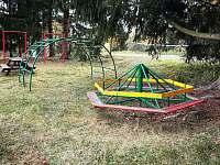 dětské hřiště - Žebrákov u Orlíka