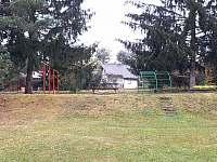 zahrada - chalupa k pronájmu Žebrákov u Orlíka