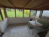 Domek s velkou oplocenou zahradou - chalupa k pronajmutí - 8 Bližná