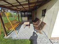 Domek s velkou oplocenou zahradou - chalupa k pronájmu - 6 Bližná