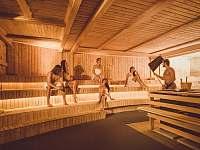 Dárek pro Vás - 30% sleva - každý den saunové ceremoniály přímo v areálu :) - Frymburk