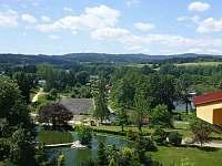 Letní výhled z terasy - zden byl naměřen nejzdravější vzduch v ČR. - Frymburk