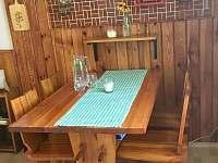Jídelní stůl - chata k pronájmu Strážkovice - U Želízků