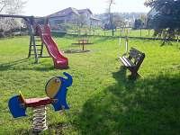 Dětské hřiště u domu