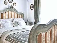 Zelená ložnice v přízemí - ubytování Český Krumlov