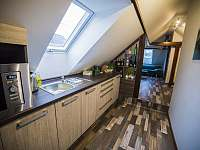 Kuchyňská linka - apartmán k pronajmutí Stráž nad Nežárkou - Dvorce