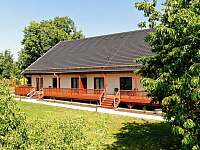 stodola ze zahrady - apartmán k pronajmutí Martinice