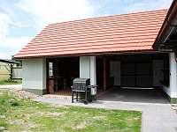 Venkovní kryté posezení s grilem - chalupa ubytování Třeboň - Stará Hlína