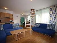 Apartmán Bakarloko Eli - obývák - k pronájmu Lipno nad Vltavou