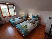 druhý pokoj s dvěmi postelemi - Pištín
