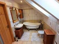 koupelna v podkroví - Pištín