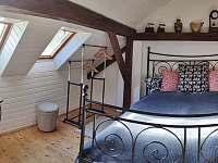 Podkrovní pokoj 2 lůžkove průchozí - objekt 2 - Brloh - Kovářov