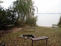 Posezení u vody - pronájem chaty Smržov