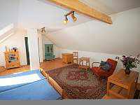 podkroví - obytná ložnice č.3 - chalupa k pronájmu Dlouhá Lhota