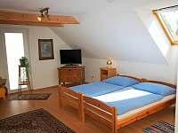 podkroví - obytná ložnice č.3 - Dlouhá Lhota