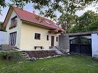 Kostelec nad Vltavou ubytování 8 lidí  pronájem