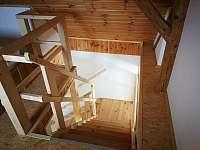 přední schodiště - Březnice u Tábora