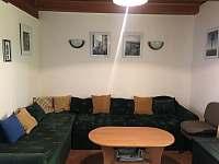 Obývací pokoj - chata k pronájmu Břehov u Českých Budějovic