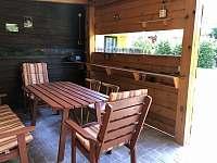 Vnitřní prostor pergoly - chata k pronájmu Břehov u Českých Budějovic