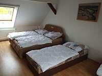 Ložnice 4 v 1.NP - pronájem chalupy Milenovice
